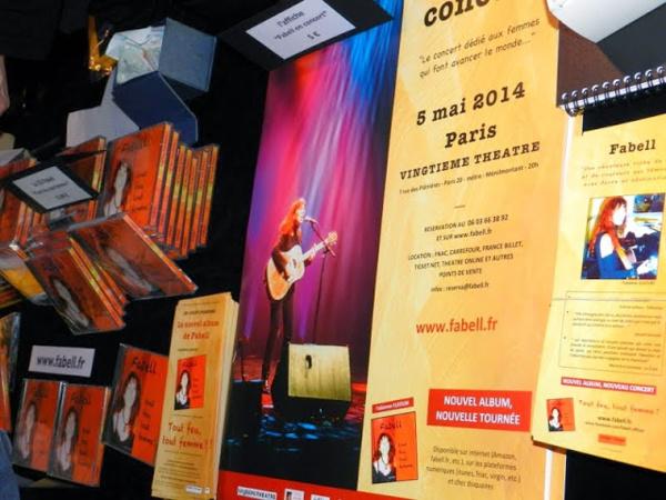 Albums de Fabell, affiches et fleyers du concert - © Tran Nghi