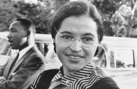 """ANNIVERSAIRE. Elle n'était pas de la """"bonne"""" couleur! Fabell chante Rosa Parks, militante noire qui, le 1 déc 1955, refusa de céder sa place à un blanc dans un bus américain de l'apartheid."""