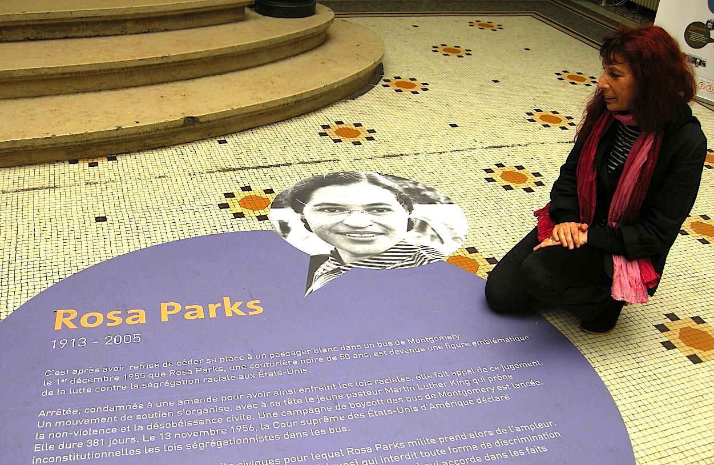Fabell rend hommage à Rosa Parks, militante pour les droits civiques et l'égalité entre les races
