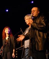 En concert à l'Elysée Montmartre aux côtés de Jacques Higelin